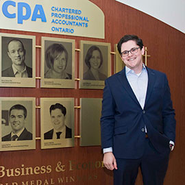 Laurier alumnus Lorcan Duffy wins the Lazaridis School its 10th UFE Gold Medal for accounting excellence