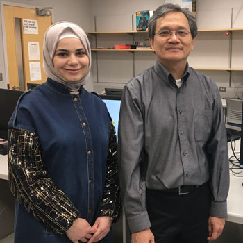 Image -  Laurier professor Chính Hoàng supports Syrian student as a former refugee