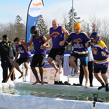 Laurier's 'Stay Golden' Polar Plunge team raises over $1,200 for Special Olympics Ontario